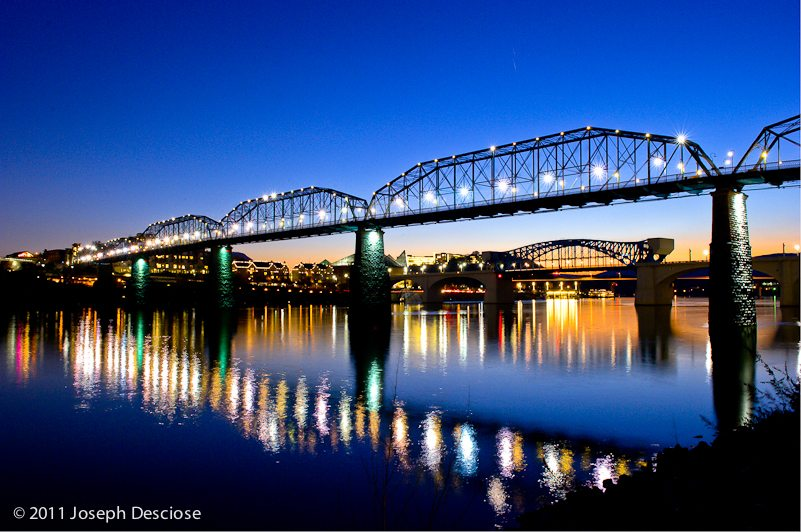 Walnut Street Bridge, Chattanooga, Tennessee at dusk